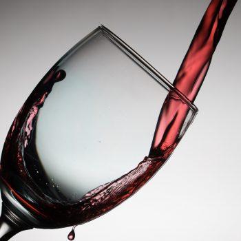 Licor: 3 fatos que vão te convencer a experimentar essa bebida